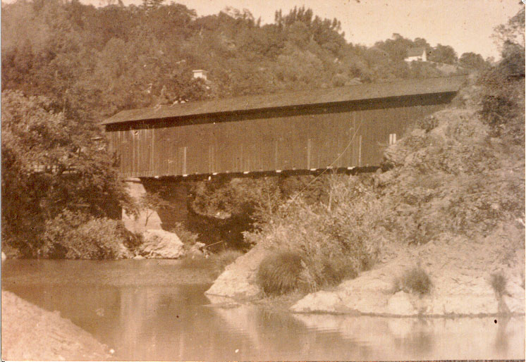 covered bridge spanned the Russian River at Preston from 1872-1931.